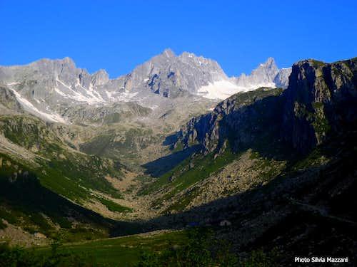 Granite peaks scenery at the head of Val d'Amola