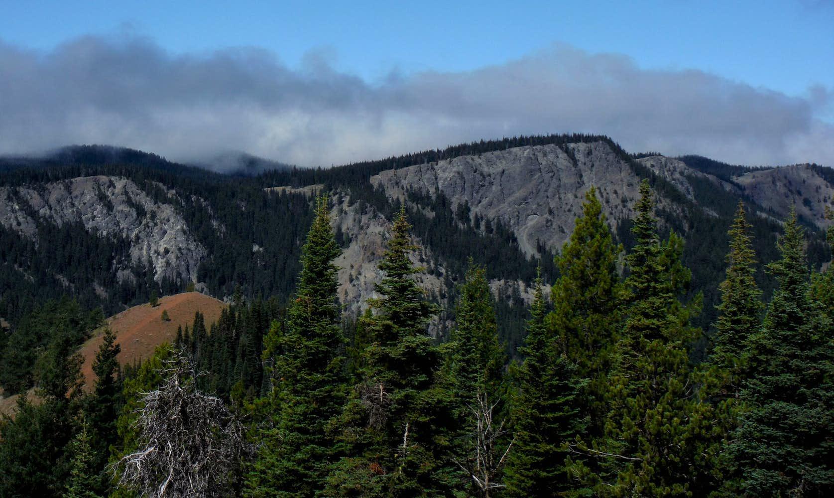 Looking toward Quartz Mountain : Photos, Diagrams & Topos ...