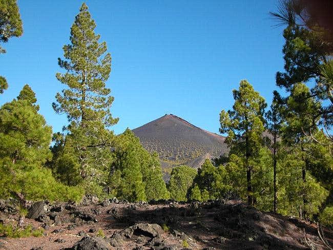 Volcán Martín seen through...