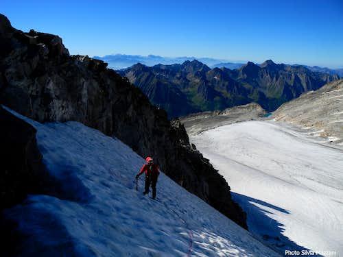 Upper slopes over Stampflkees glacier