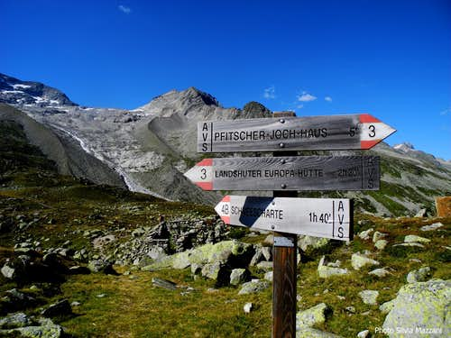 Signpost at start of Schrammacher Normal route