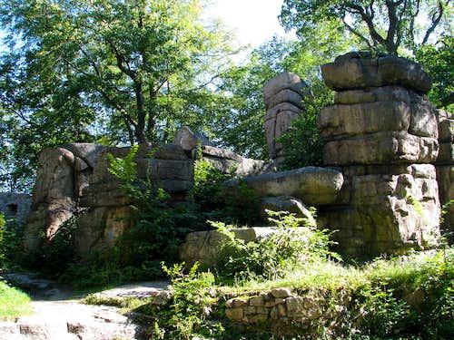 Rocks inside Bolczów Castle