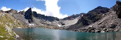 Gran Paradiso GROUP: overall view <br>of the Vallone di Miserino