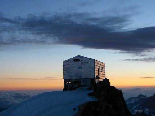 The Vallot Hut on the descent...