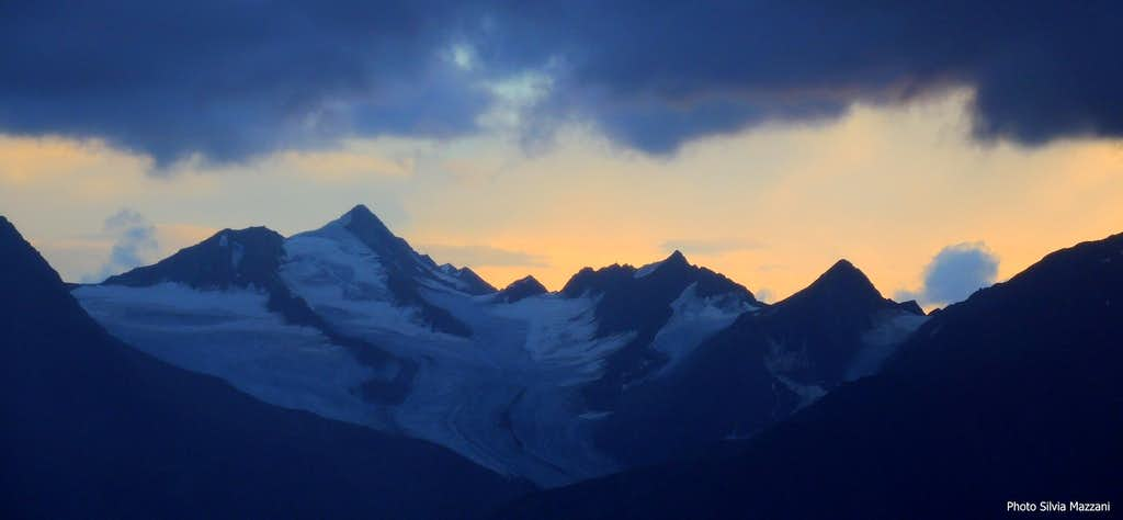 Sunset over Schalfkogel - Ötztal Alps from Breslauer Hütte