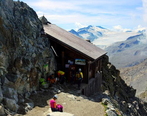 People at the shelter on Corno di Lago Scuro summit