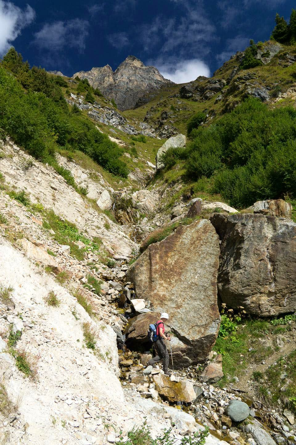 Crossing another of the steep gullies