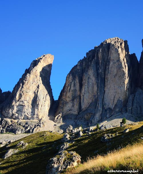 Dente del Sassolungo and Torre Innerkofler from South
