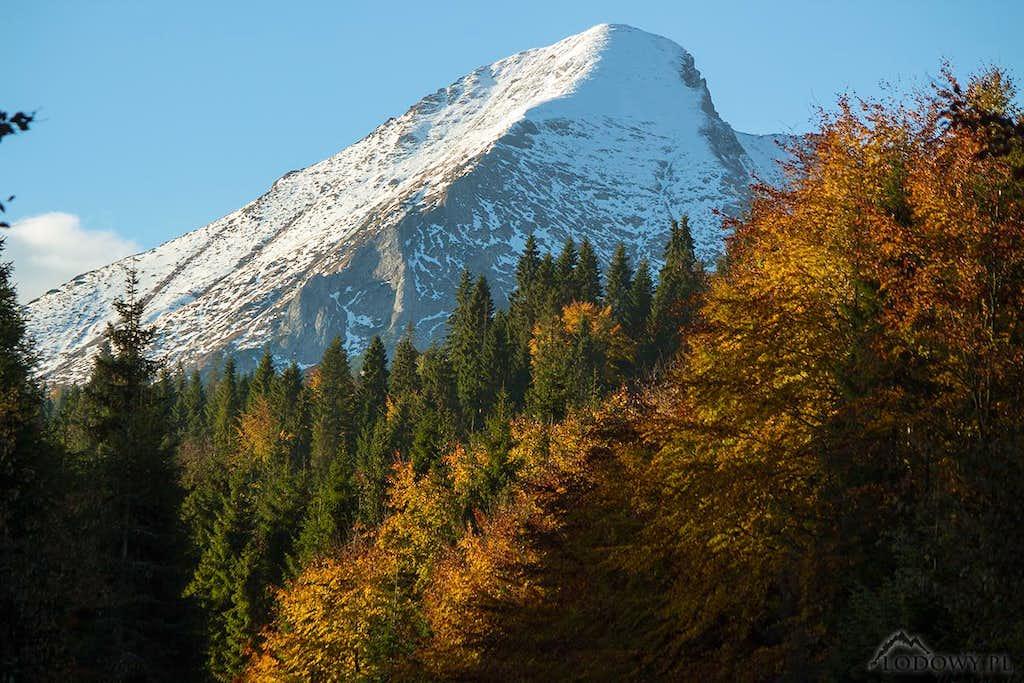 Zdiarska Vidla in fall scenery
