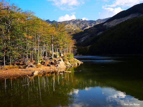 Lago Gemio near sunrise
