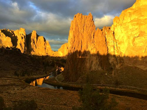 Sunrise at Smith Rocks