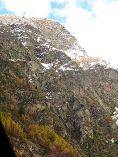 Cliffs below the Pila watersheed & above Vieyes 2016