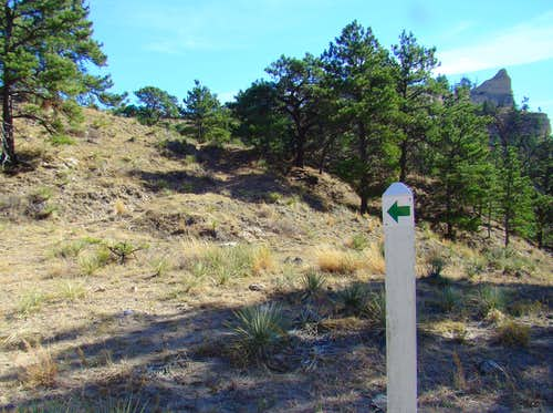 Trail Marker to Saddle Rock