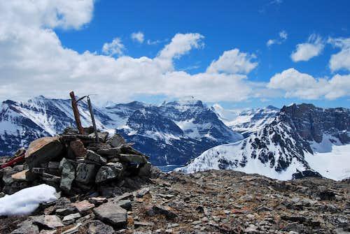 ice axes and summit cairn, Otokomi Mountain