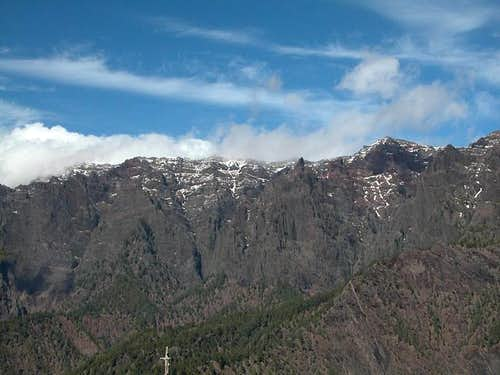 Pico de la Cruz (left in the...