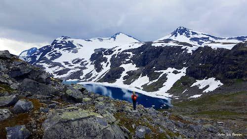 Tiny lake on Kyrkja approach