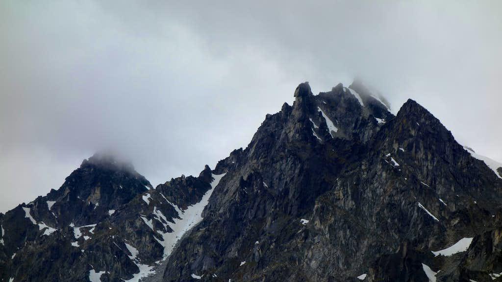 Clouds rool in over Lynx Peak