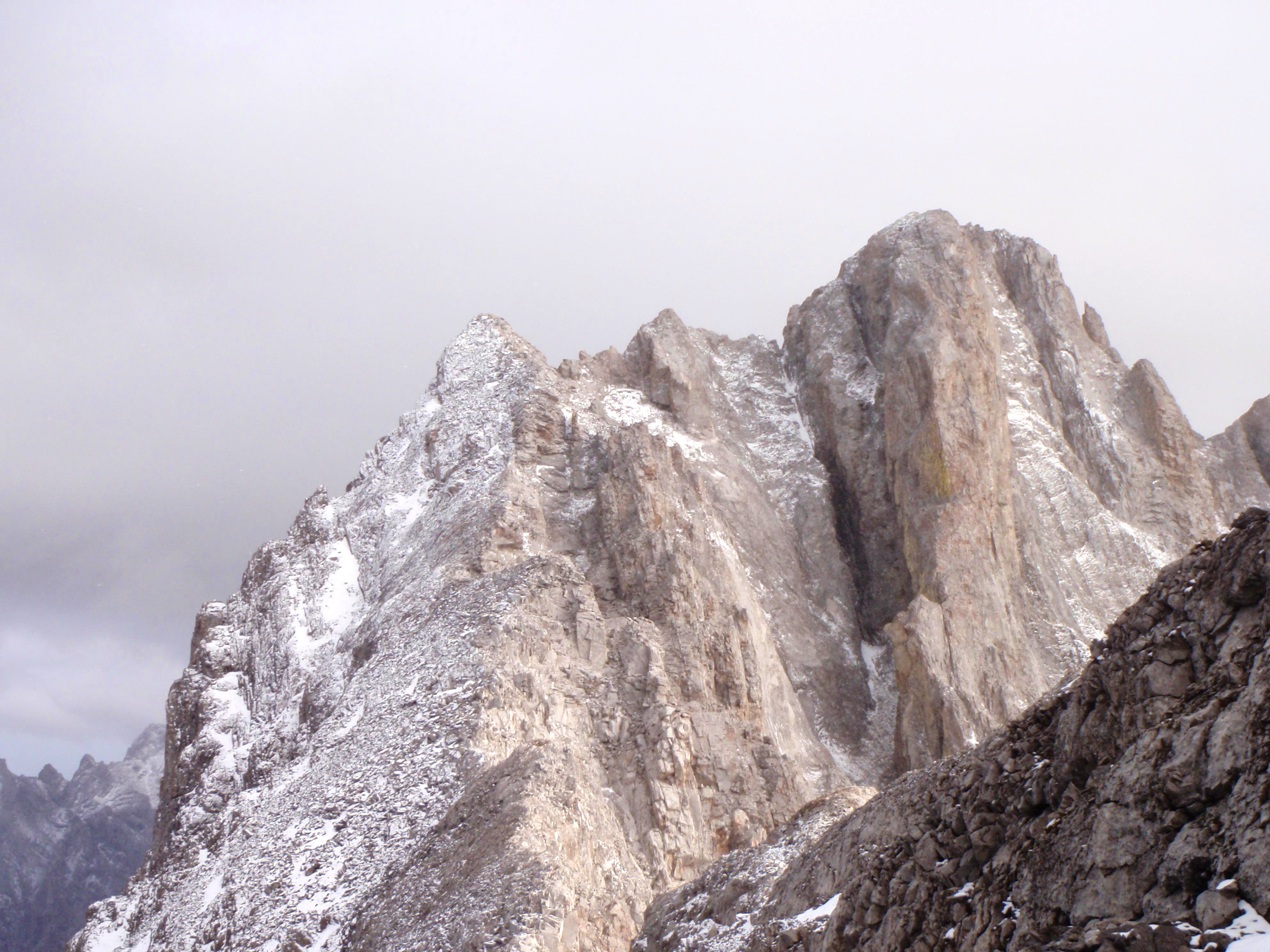 North Ridge/West Face of \'South Schlee\', 5.6, Alpine II