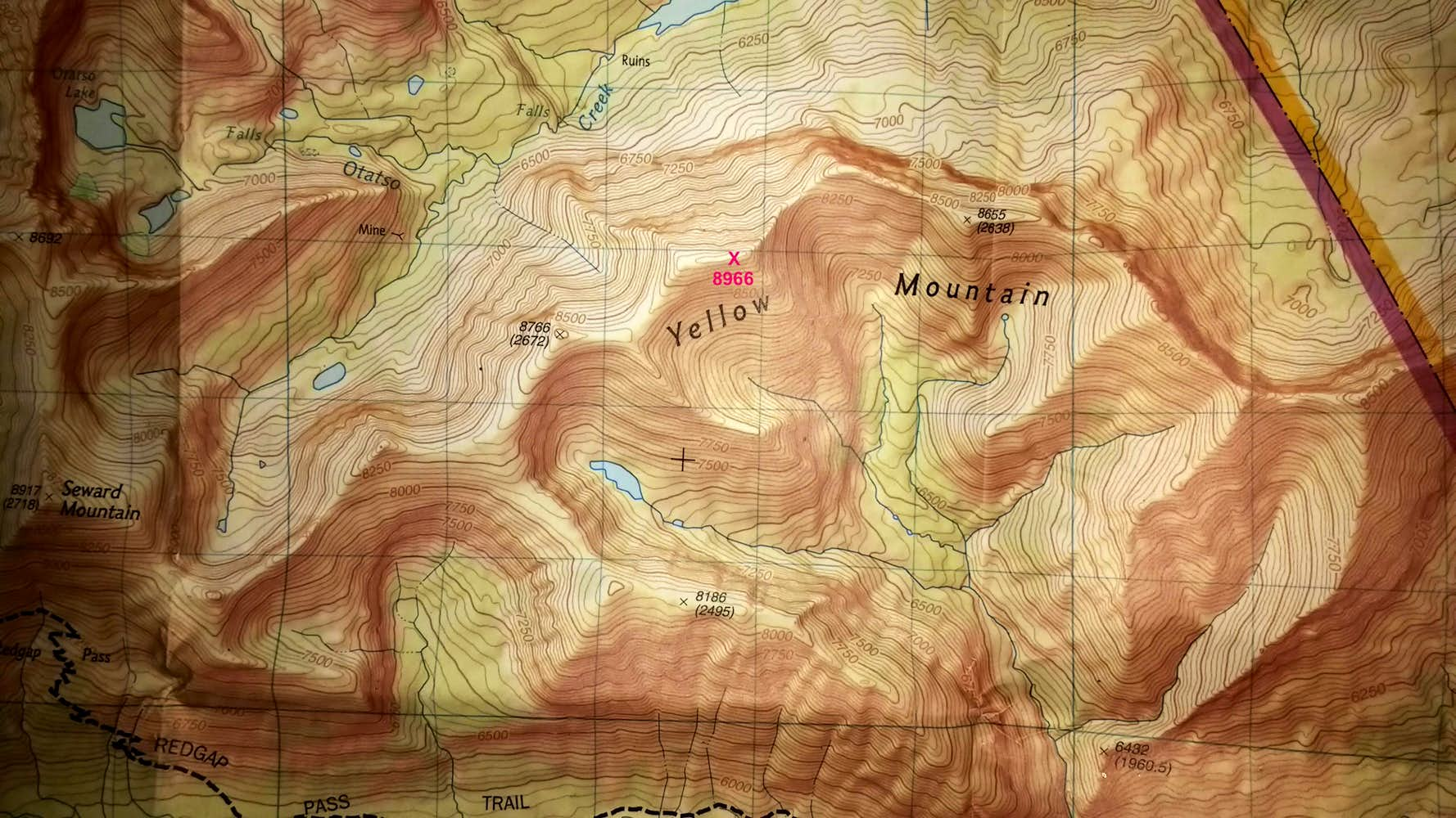 true summit of Yellow Mountain - Trails Illustrated topo map