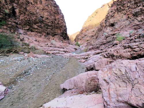 Canyon beginning to form and narrow