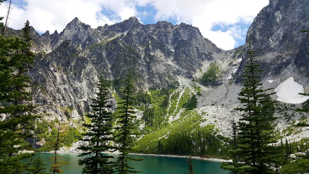 The Echantment Peaks Ridge and Aasgard Pass