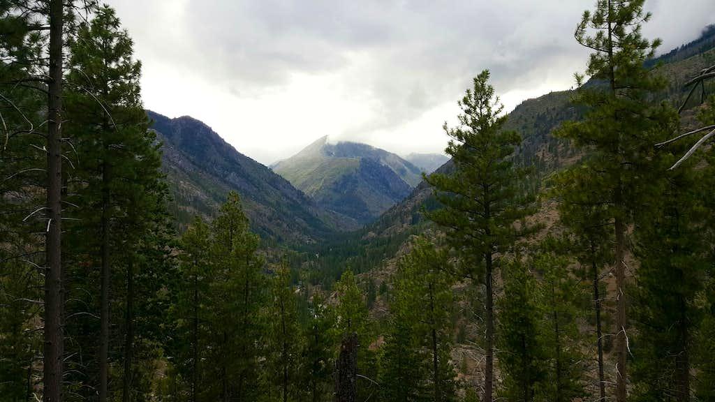 Snow Lakes Trail