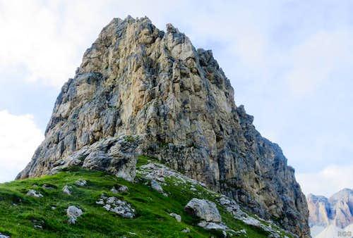 Sass Becè south ridge