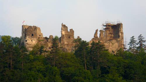 Reviste Castle Hill