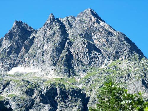 From Ferret ... below Monts Rouges de Greuvettaz 2016