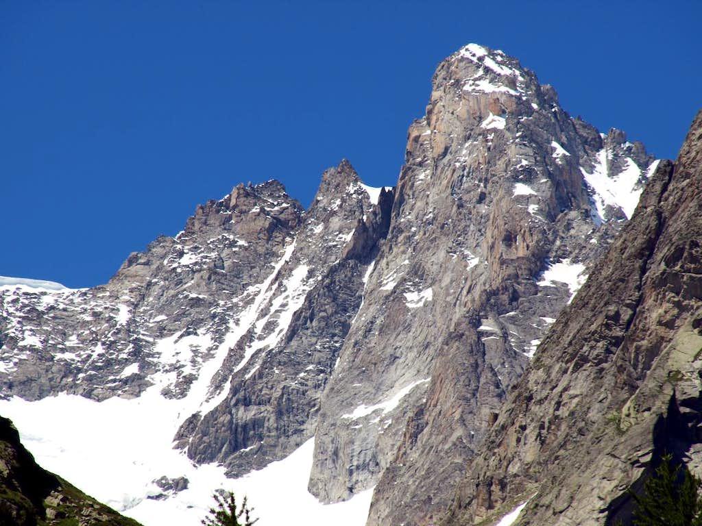 Vallon from Aiguille de Triolet towards Val Ferret 2016