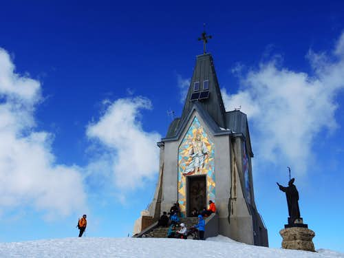 Summit of Castel Bertino