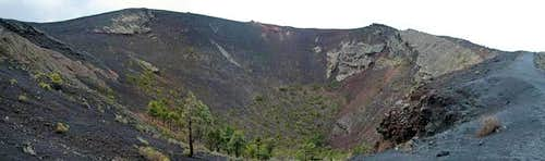 The huge crater of Volcán San...
