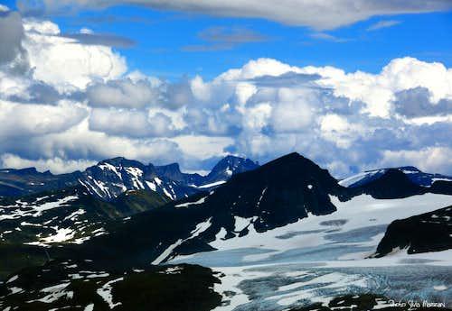 Fånnaraken dramatic summit view