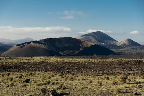 Montaña del Cuervo and Montaña Diama