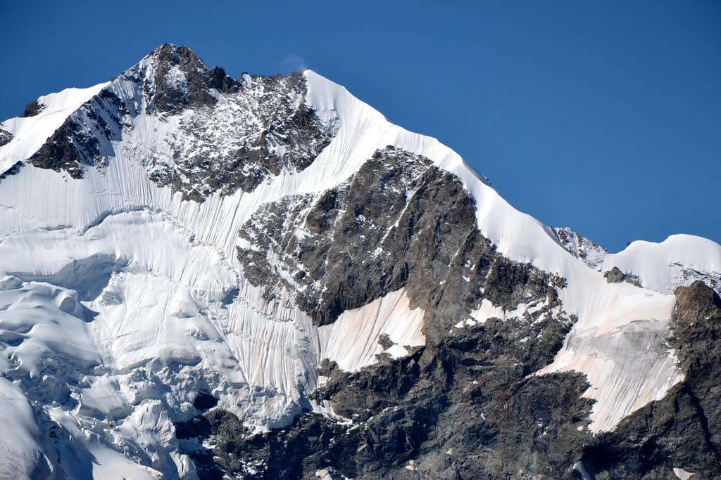 Close-up upon the Bianco ridge of Piz Bernina
