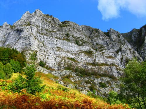 Monte Corchia autumn picture