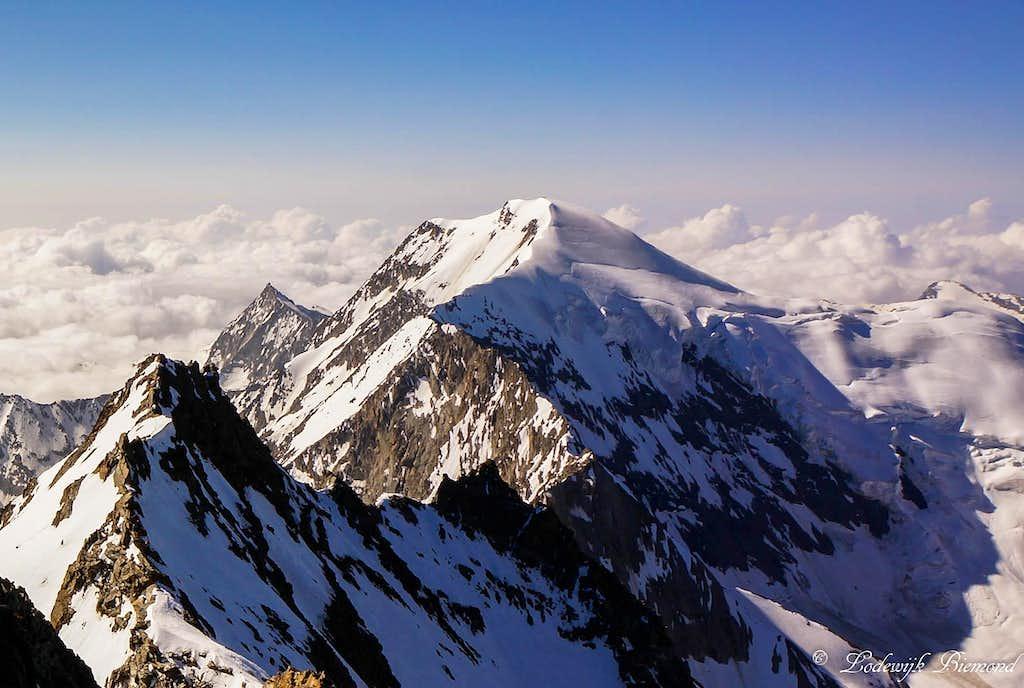 Weissmies (4017m) from the summit of Lagginhorn (4010m)
