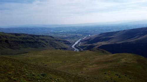 Looking at the southern terminus of Yakima Canyon