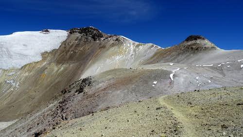 Acotango summit (left)