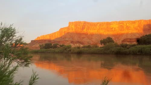 Sunrise at green river