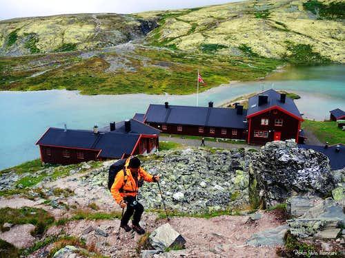 Rondvassbu Hut, start of the route to Rondslottet
