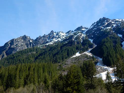 Wide angle view of South Gemini Peak from Monte Cristo townsite